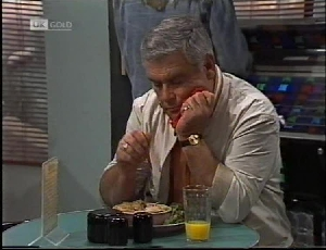 Lou Carpenter in Neighbours Episode 2183