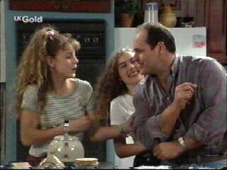 Philip Martin, Hannah Martin, Debbie Martin in Neighbours Episode 2595