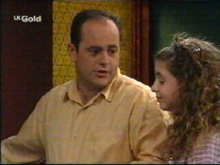 Philip Martin, Hannah Martin in Neighbours Episode 2610