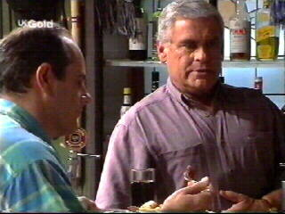 Philip Martin, Lou Carpenter in Neighbours Episode 2613