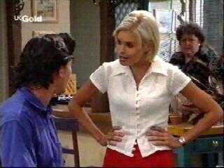 Sam Kratz, Joanna Hartman, Marlene Kratz in Neighbours Episode 2613