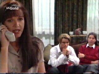 Susan Kennedy, Billy Kennedy, Melissa Drenth in Neighbours Episode 2613