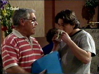 Lou Carpenter, Darren Stark in Neighbours Episode 2952