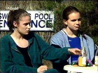 Caitlin Atkins, Mandi Rodgers in Neighbours Episode 2952