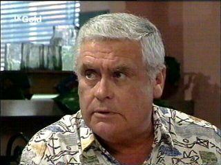 Lou Carpenter in Neighbours Episode 2952