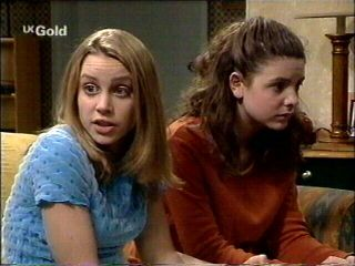 Claire Girard, Hannah Martin in Neighbours Episode 2953