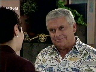 Carol Maitland, Lou Carpenter in Neighbours Episode 2953