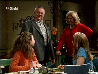 Hannah Martin, Claire Girard, Harold Bishop, Madge Bishop in Neighbours Episode 2953