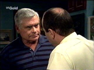 Lou Carpenter, Philip Martin in Neighbours Episode 2953