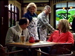 Philip Martin, Madge Bishop, Harold Bishop, Ruth Wilkinson in Neighbours Episode 2954