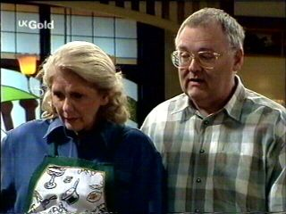 Harold Bishop, Madge Bishop in Neighbours Episode 2954