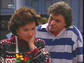 Lyn Scully, Joe Scully in Neighbours Episode 3444