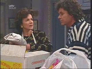 Joe Scully, Lyn Scully in Neighbours Episode 3444