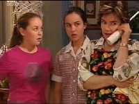 Michelle Scully, Bianca Nugent, Lyn Scully in Neighbours Episode 3562