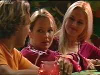 Dee Bliss, Steph Scully, Joel Samuels in Neighbours Episode 3566