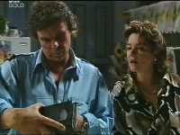 Joe Scully, Lyn Scully in Neighbours Episode 3568