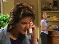 Lyn Scully, Felicity Scully in Neighbours Episode 3569