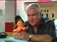 Lou Carpenter in Neighbours Episode 3570