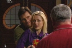 Darcy Tyler, Dee Bliss, Lou Carpenter in Neighbours Episode 3813