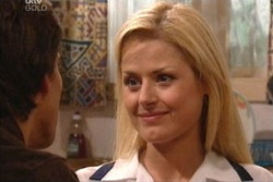 Dee Bliss in Neighbours Episode 3813