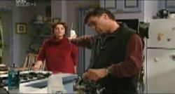 Lyn Scully, Joe Scully in Neighbours Episode 3832
