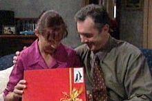 Susan Kennedy, Karl Kennedy in Neighbours Episode 4243