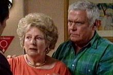 Lou Carpenter, Valda Sheergold in Neighbours Episode 4248