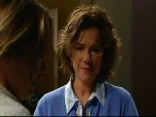 Steph Scully, Lyn Scully in Neighbours Episode 4635