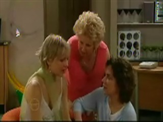 Sindi Watts, Valda Sheergold, Lyn Scully in Neighbours Episode 4639