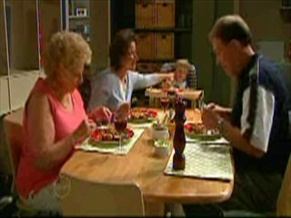Valda Sheergold, Lyn Scully, Oscar Scully, Michael Cassidy in Neighbours Episode 4639