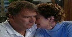 Alex Kinski, Susan Kennedy in Neighbours Episode 4827