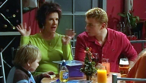 Oscar Scully, Lyn Scully, Boyd Hoyland in Neighbours Episode 4875