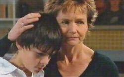 Zeke Kinski, Susan Kennedy in Neighbours Episode 4880