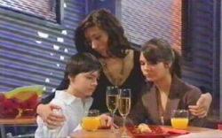 Zeke Kinski, Katya Kinski, Rachel Kinski in Neighbours Episode 4880
