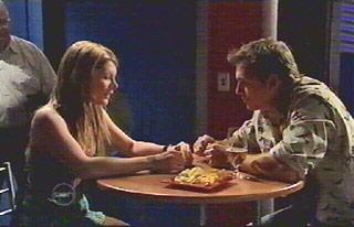 Izzy Hoyland, Stuart Parker in Neighbours Episode 4881