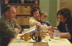 Kim Timmins, Lyn Scully, Oscar Scully, Dylan Timmins in Neighbours Episode 4882
