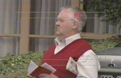 Harold Bishop in Neighbours Episode 4882