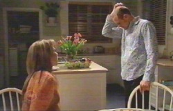 Steph Scully, Max Hoyland in Neighbours Episode 4883