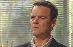 Paul Robinson in Neighbours Episode 4883