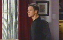 Paul Robinson in Neighbours Episode 4888