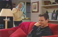 Izzy Hoyland, Paul Robinson in Neighbours Episode 4888