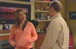 Steph Scully, Max Hoyland in Neighbours Episode 4889