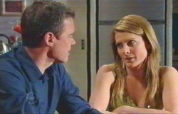 Paul Robinson, Izzy Hoyland in Neighbours Episode 4889