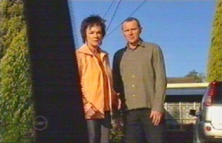 Lyn Scully, Max Hoyland in Neighbours Episode 4891