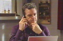 Paul Robinson in Neighbours Episode 4891