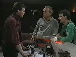 Des Clarke, Jim Robinson, Paul Robinson in Neighbours Episode 0998