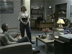 Jim Robinson, Beverly Marshall, Todd Landers in Neighbours Episode 0998