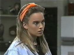 Bronwyn Davies in Neighbours Episode 0998