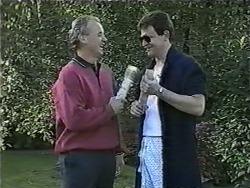 Jim Robinson, Des Clarke in Neighbours Episode 0998