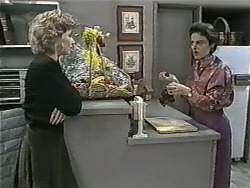 Beverly Robinson, Gail Robinson in Neighbours Episode 0998
